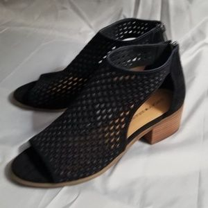 Lucky brand open toe bootie size 9.5